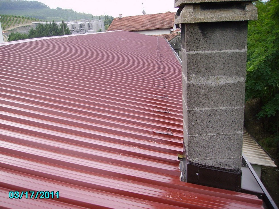 Smaltimento Amianto e successiva realizzazione tetto con pannelli coibentati
