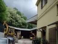 Cantiere per realizzazione tetto in lamiera